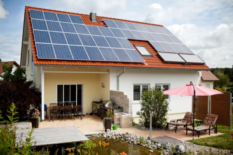 10:00 h - Nuevas tendencias  tecnológicas en el mercado de los paneles fotovoltaicos.
